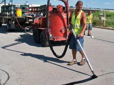 crack sealing asphalt pavement